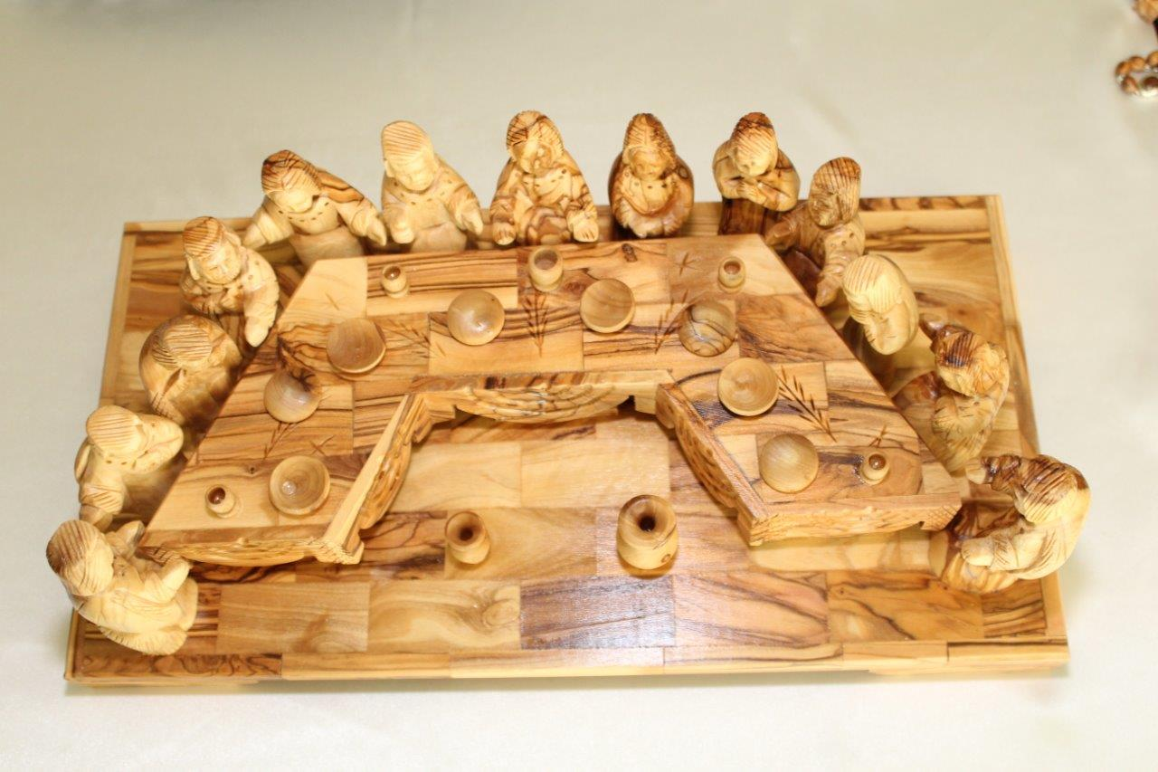 Hand made square olive wood wall plaque w ceramic last supper